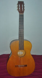 Vintage Classical 6-String Guitar  Harmony H173 1957-69 U.S.A.