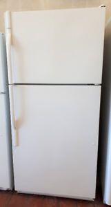 Kenmore Full Sized Top Mount Refrigerator Freezer