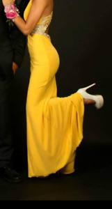Size 4* Stunning Yellow Dress