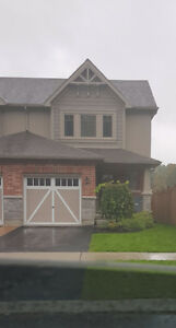 New build 3 bedroom End Town Unit in Midland for rent