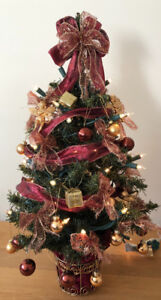 """24"""" tabletop decorative pre lit Christmas tree -decorations too!"""