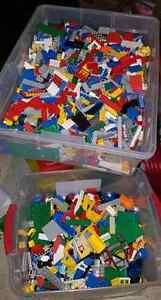 LEGO $3 SANDWICH BAGS AND AUTHENTIC & LEGO LIKE MINIFIGS