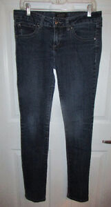 London Low Rise Stretch Skinny Jeans - Size 9 (Aylmer)