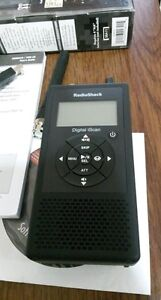 RADIO SHACK PRO-18 DIGITAL TRUNKING HAND HELD POLICE SCANNER