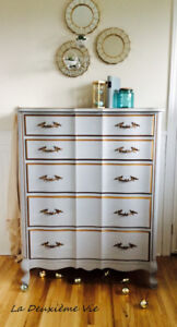 French Provincial Style Dresser / Commode Vintage