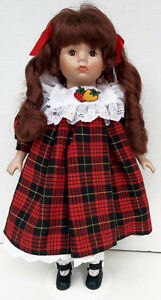 Doll on Stand Porcelain Collection    H8Z1W9