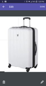 """Brand new luggage / suitcase Atlantic 24"""" spinner"""