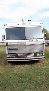 1982 Foretravel Motorhome Oshkosh 35' Diesel Pusher