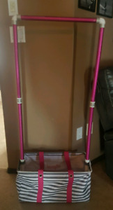 Dance bag with sturdy rack