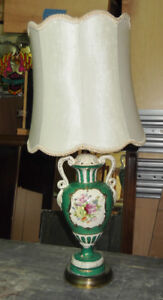 Lampe de table vintage....livraison gratuite possible
