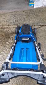 Self drive hyundai lawnmower