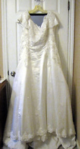 Stunning Michaelangelo Wedding Gown for Sale