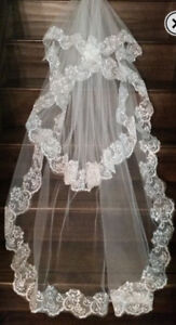 Lace & tule wedding veil