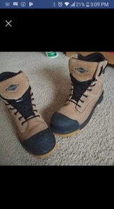 Selling my workload work steel toe boots