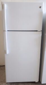 GE 16 Cubic Foot Top Mount Refrigerator Freezer