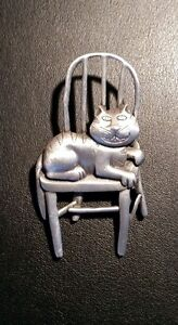 Vintage JJ 1988 Pewter Cheshire Cat on Chair Brooch/Pin
