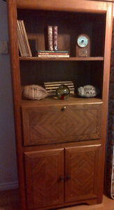 Oak coffee table, 2 end tables, 3 bookcases, 2 mirrors + 2 lamps