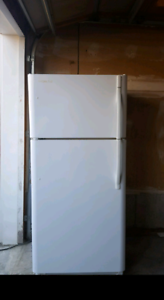 White Kenmore Refrigerator (can deliver)