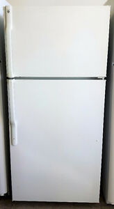 GE 15 Cubic Foot Top Mount Refrigerator Freezer