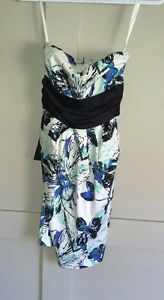 Beautiful dress - semi formal or casual size extra small