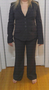 3 piece woman's suit from Mexx. Hardley used.Flawless .  size 36