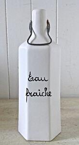 Collection. Magnifique bouteille en porcelaine Eau Fraîche
