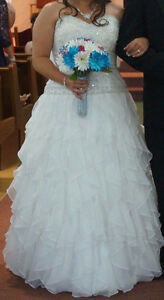 Beautiful Wedding Dress St. John's Newfoundland image 4