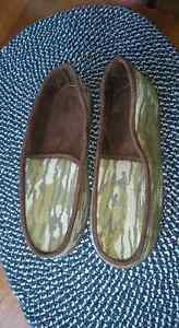 Camo slippers size 10