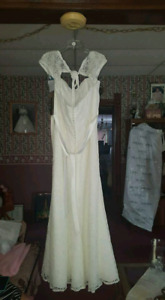 Brand new with tags Morrilee lace wedding dress