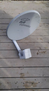 Bell dish with twin LNB