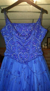 Prom dress or evening gown 300$ only worn once.