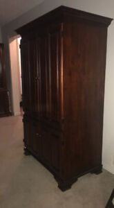 Solid wood TV entertainment unit with storage must go asap!