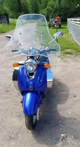 8841Scooter 125 CC à  vendre