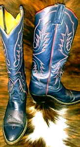 10 pairs of ladies cowboy boots various sizes