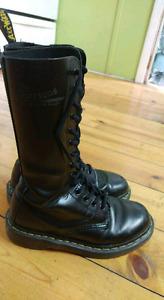 Doc Martens 1914 boots size 6.5