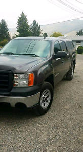 "2010 GMC 1500wt 4.8 l vortec eng 5'8"" box, crew cab/with canopy"