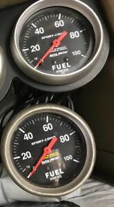 Auto meter fuel pressure gauges