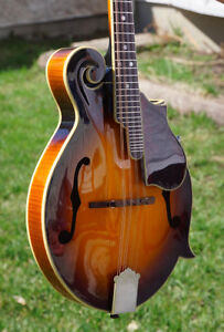 Solid top F5 The Epiphone mandolin – Beautiful and sounds great