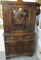 Beautiful Vintage Oak China (Curio) Cabinet