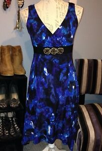 Size Small / 6 Blue Printed Dress with Embellished Waist