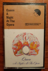 QUEEN - A NIGHT AT THE OPERA - CASSETTE -  1975-  good condi