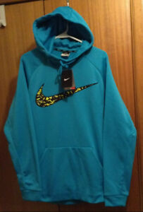 NEW - Men's  Size Large NIKE Therma-Fit Pullover Hoodie