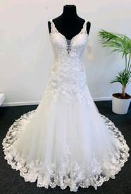 Brand New Ronald Joyce wedding dress size 14