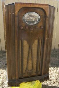 Antique Marconi Floor Model Tube / Battery Style Radio