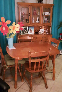 Rock Maple Buy Or Sell Dining Table Sets In Ontario Kijiji Classifieds