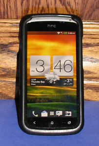 2 HTC Smartphones    HTC One S and  HTC One X