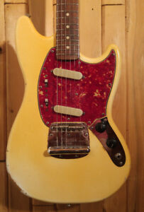 Vintage 1965 Fender Mustang Olympic white