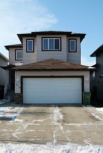 **TRIPLE CAR GARAGE*** Don't miss out on this Great Home!!!!