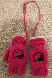 HELLO KITTY MITTS WITH STRING TODDLER 12-24M?
