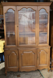 French Provincial Style 1 Piece China Cabinet